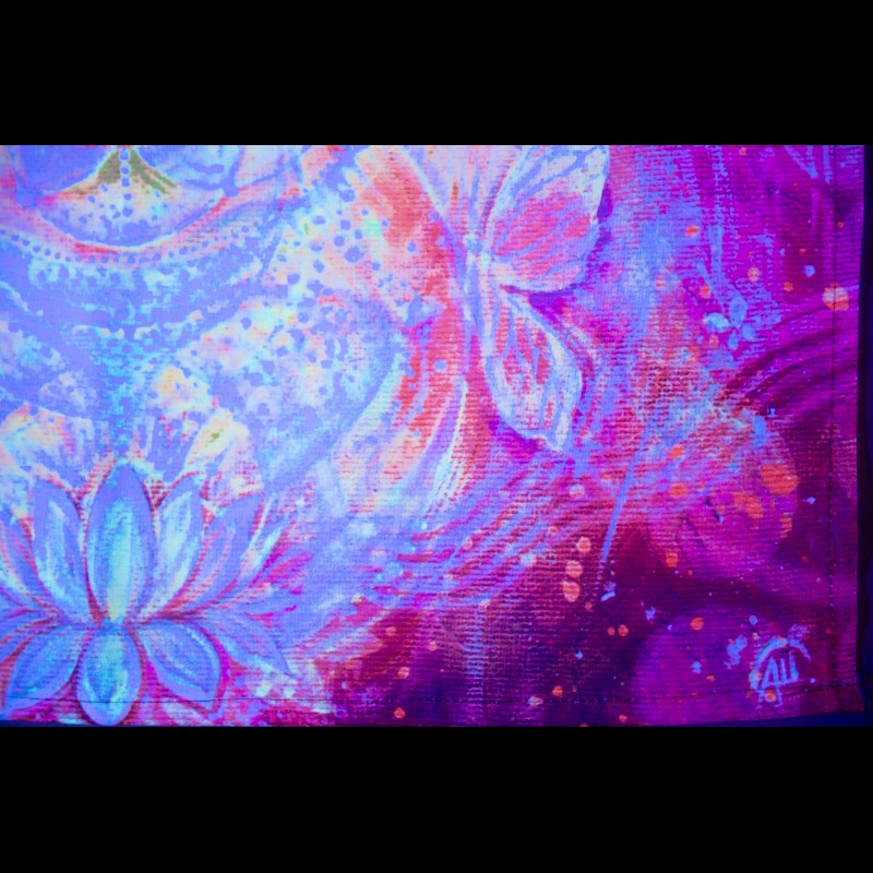 Glowing hippie tapestry «Nectar of Love»
