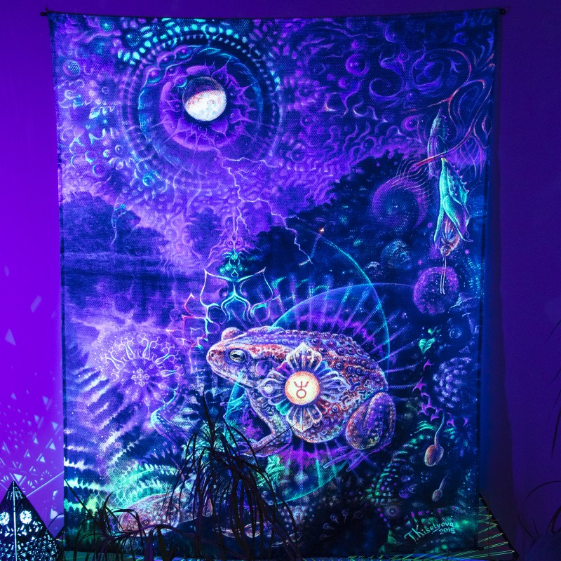 Spiritual blacklight wallart «Heart of the mystery»