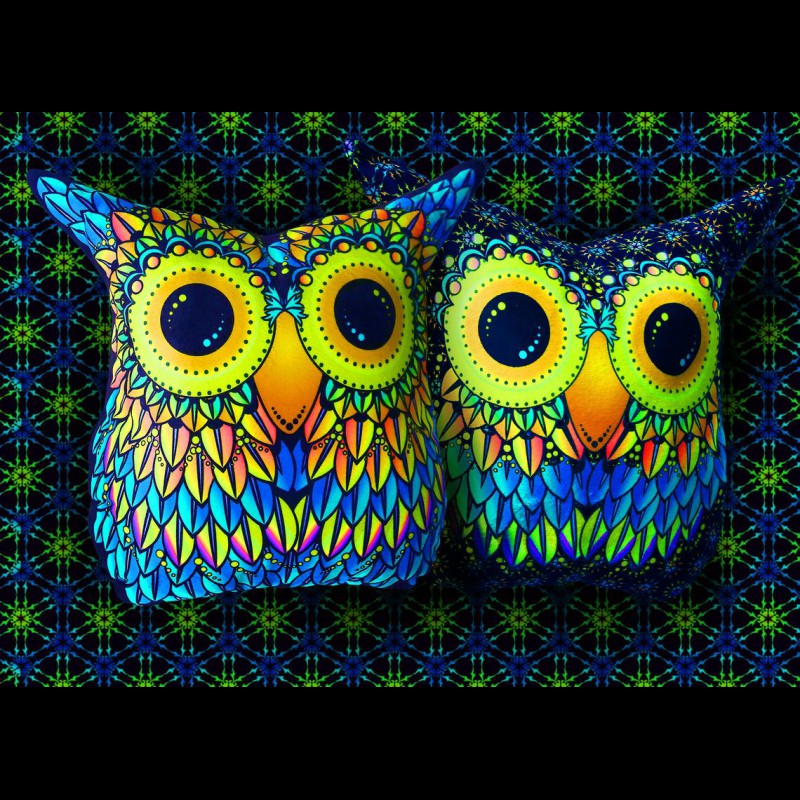 "Trippy Cushion Decorative Pillow ""Funny Owl"""