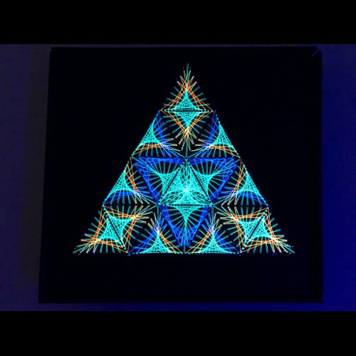 "String Art Trippy Psychedelic Wall Deco ""Sacred diversity"""