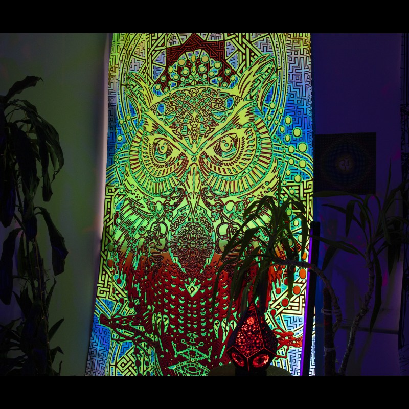 Glowing in the ultraviolet light curtain «Yellow owl»