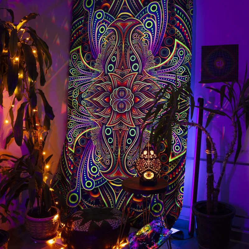 Glowing psychedelic curtain «Abyss»