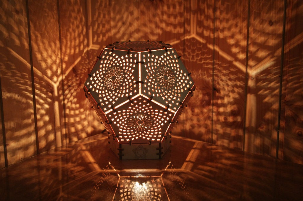 "Psychedelic motion LED lamp ""Torus"" night light"