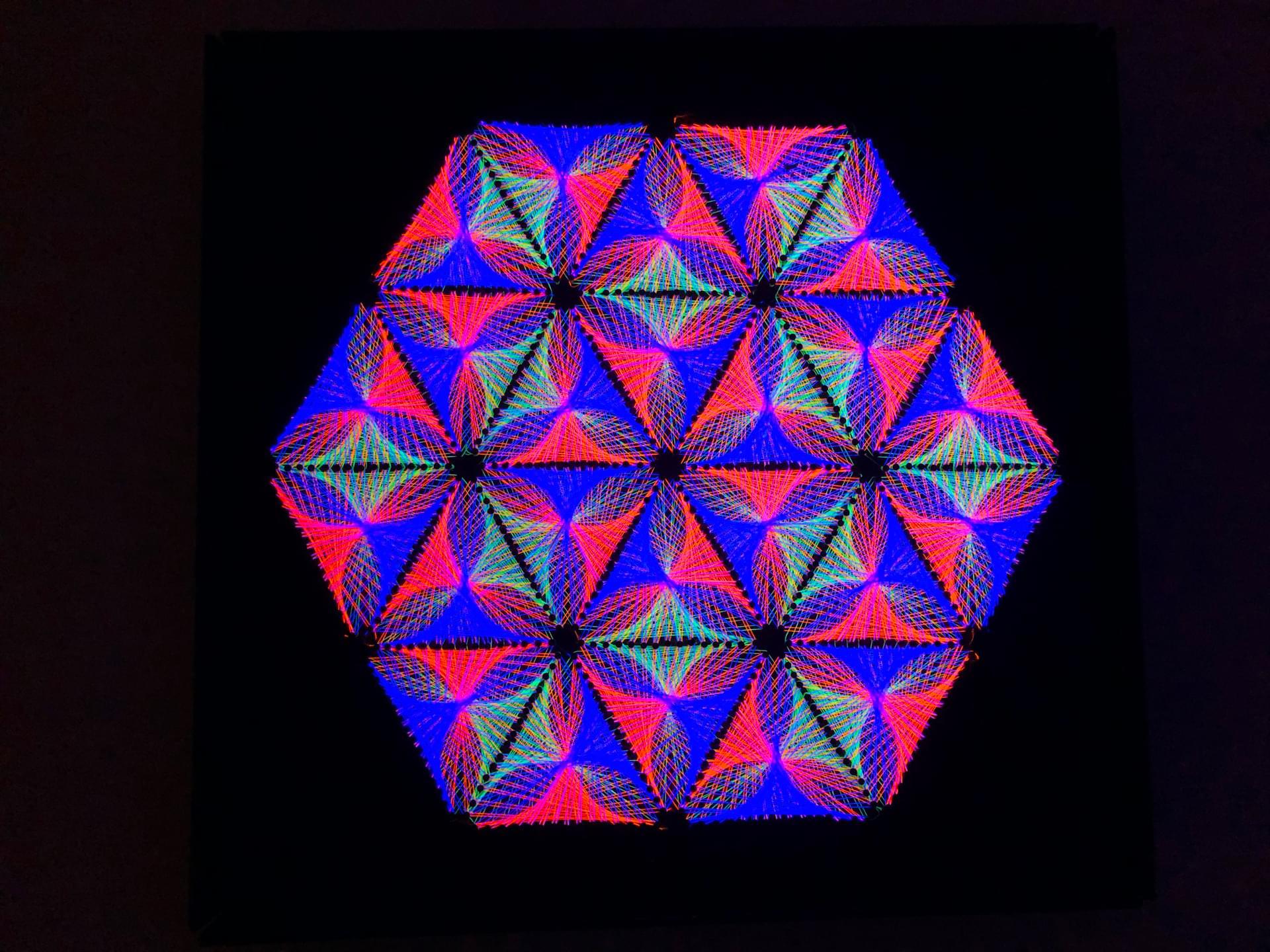 Trippy UV String Art  Wall Deco «Inner Harmony»