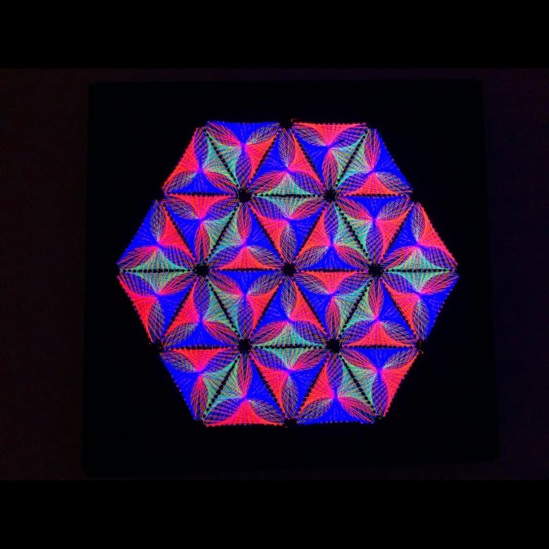 Trippy UV String Art  Wall Deco «Inner Harmony»