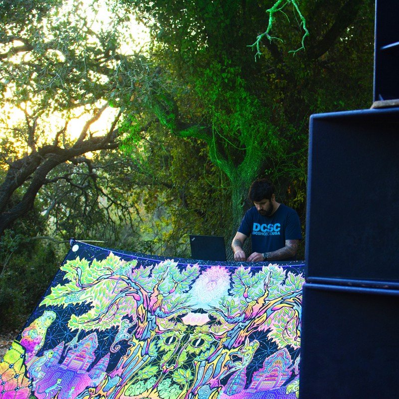 Trippy psychedelic backdrop «Hanuman»