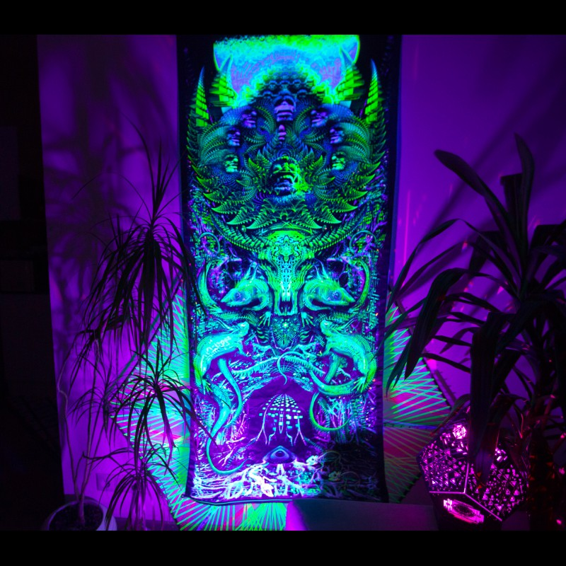 """fractal trippy UV-décor """"Roots of Kintamani"""""""