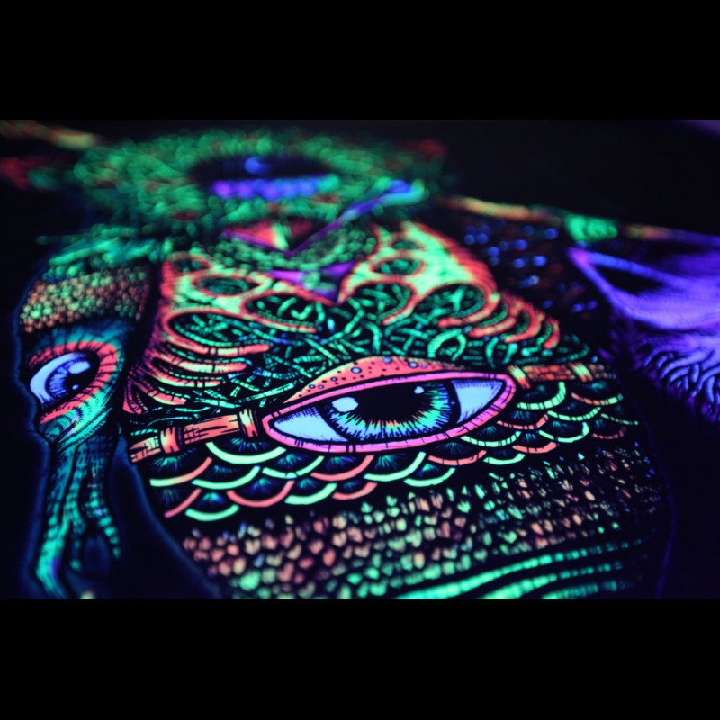 "Tripvision blacklight glow wallart ""Snake Hunter"""