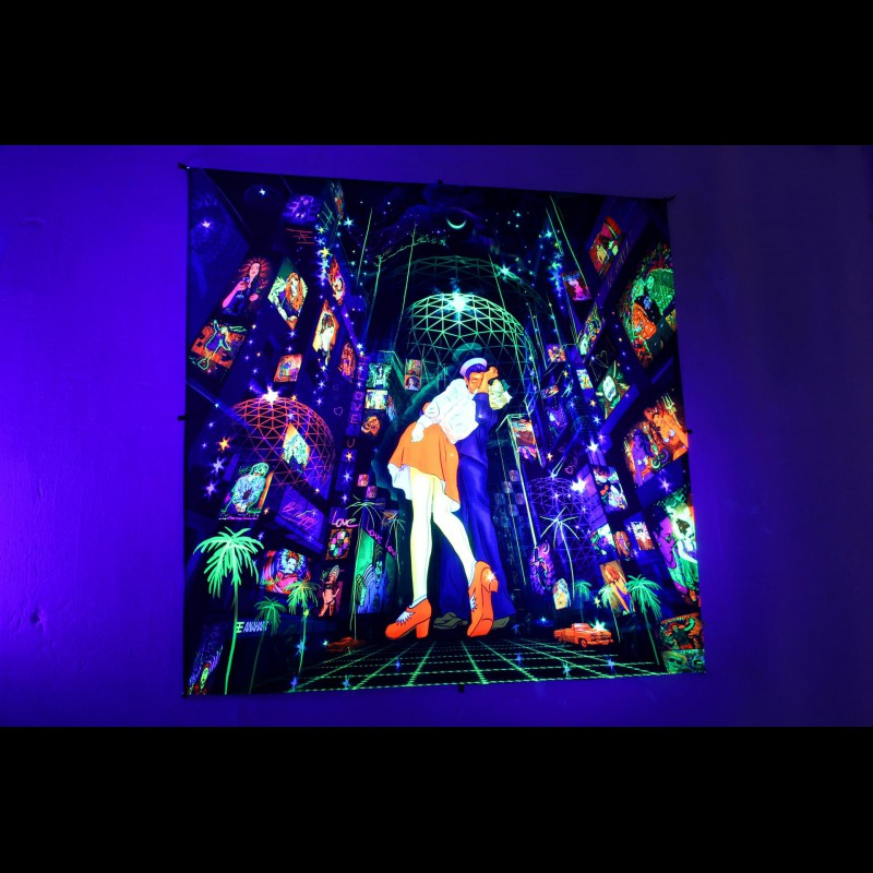 Retro tapestry glowing in neon «Kiss On The Rave»