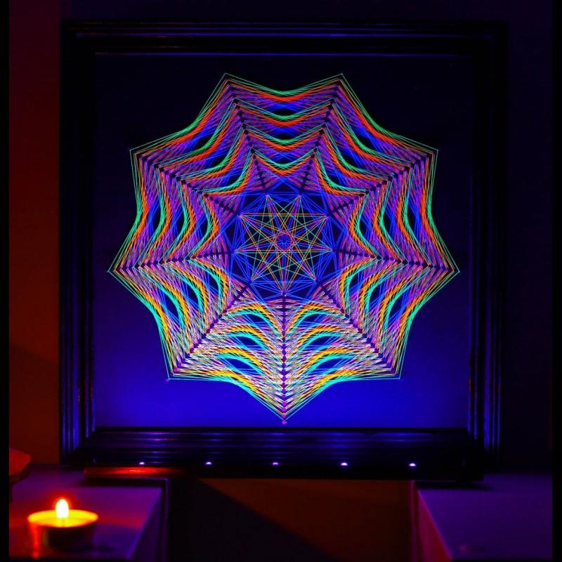 "Trippy Wall Mandala-String-Art ""Way to the Truth"""