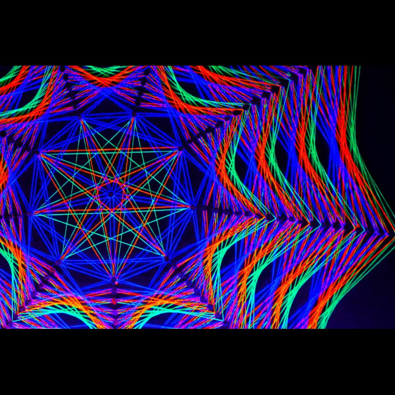 "Trippy Wall Mandala-String-Art ""Way to the Truth"""