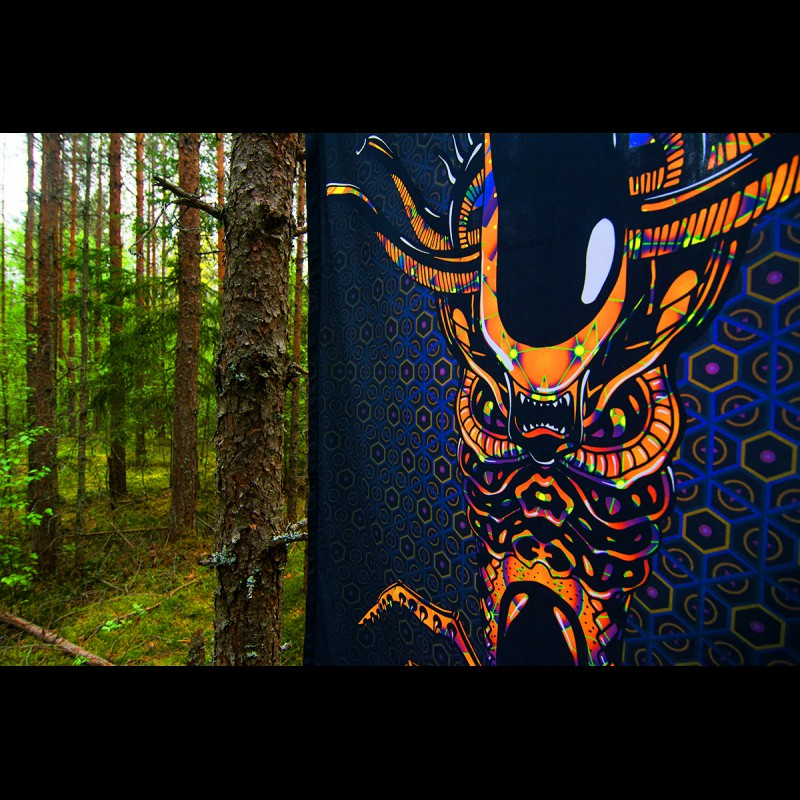 "Psychedelic art tapestry ""Magic Alien Totem"""
